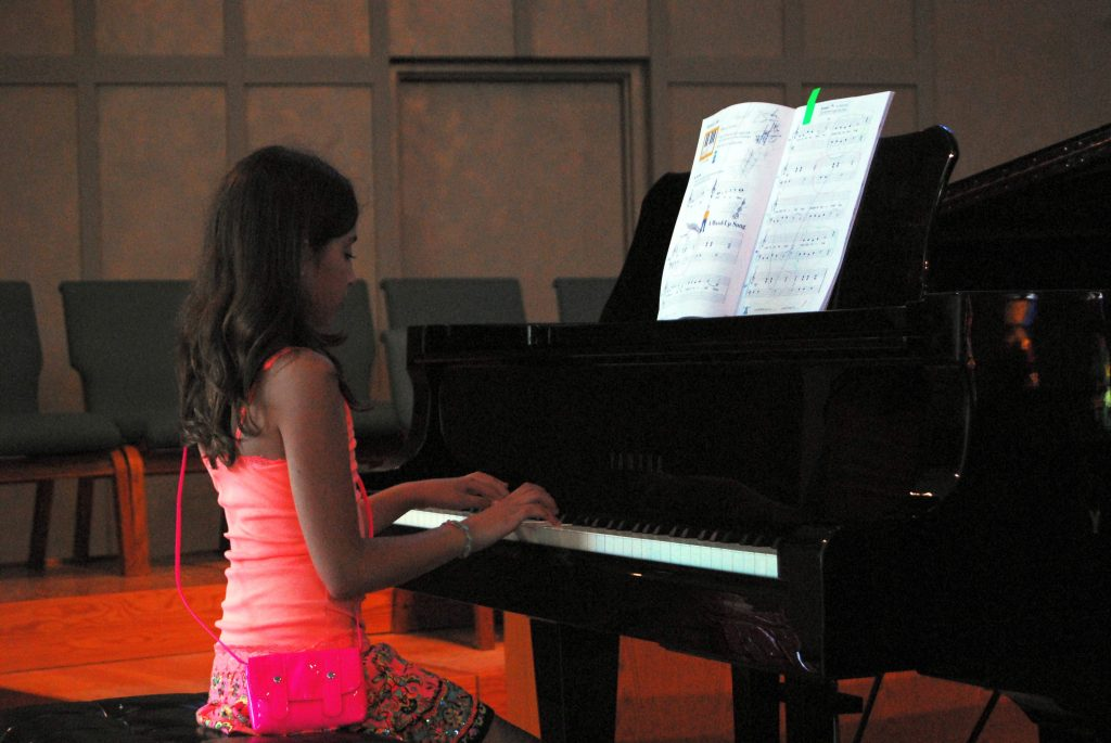 teen girl piano