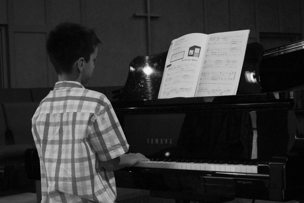 BW piano