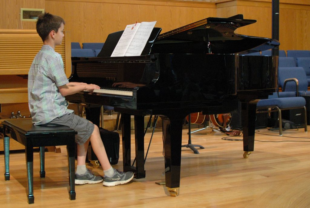 Pre teen piano