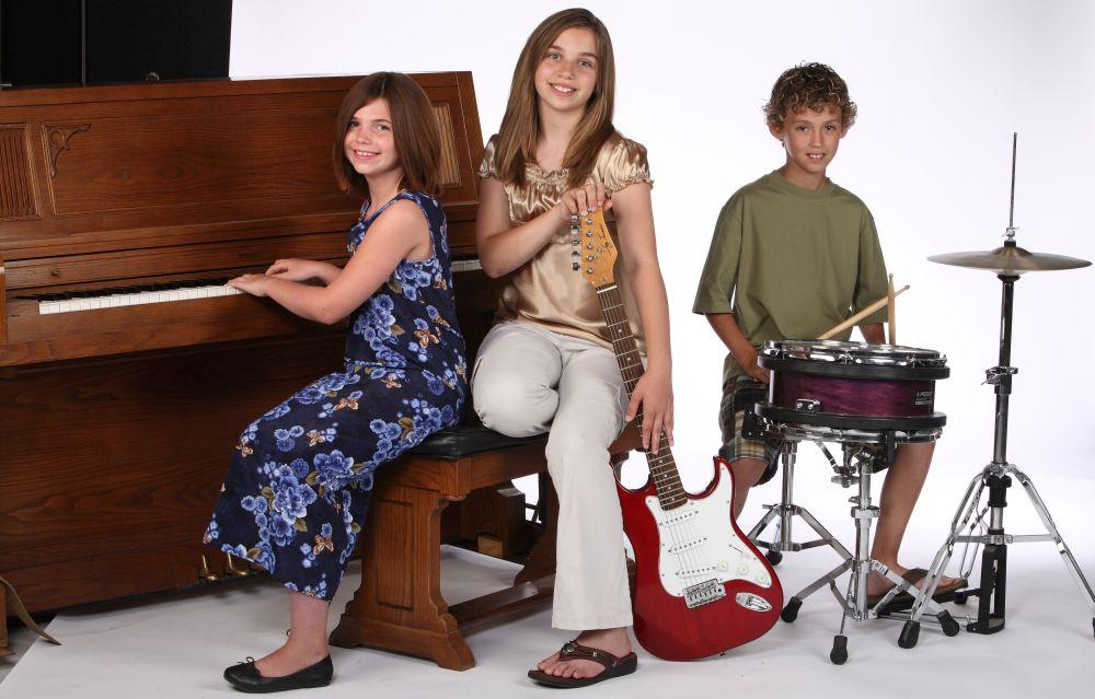 kids music classes music lessons for children winnipeg music center. Black Bedroom Furniture Sets. Home Design Ideas